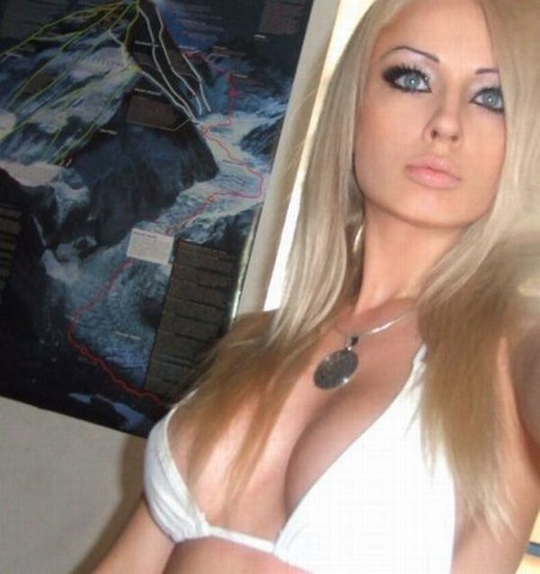 blonde twin threesome porn streamng